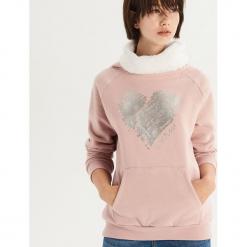 Bluza z pluszowym golfem - Różowy. Czerwone bluzy damskie Sinsay, l. Za 59,99 zł.