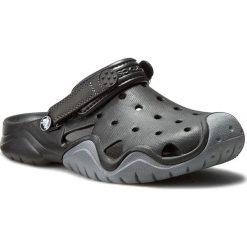 Klapki CROCS - Swiftwater Clog M 202251 Black/Charcoal. Czarne chodaki męskie Crocs, z tworzywa sztucznego. Za 199,00 zł.