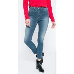 Hilfiger Denim - Jeansy Santana. Niebieskie jeansy damskie marki Hilfiger Denim, z bawełny, z podwyższonym stanem. W wyprzedaży za 239,90 zł.
