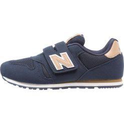 New Balance KV373 Tenisówki i Trampki dark blue. Szare trampki chłopięce marki New Balance, na lato, z materiału. Za 229,00 zł.