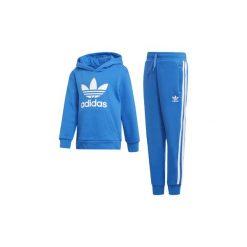 Zestawy dresowe adidas  Zestaw z bluzą z kapturem Trefoil. Niebieskie bluzy chłopięce rozpinane marki Adidas, z dresówki, z kapturem. Za 279,00 zł.