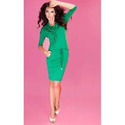 Zielona Sukienka Ołówkowa z Golfem Wiązana w Pasie. Zielone sukienki na komunię marki Molly.pl, na co dzień, l, z tkaniny, sportowe, z golfem, z długim rękawem, ołówkowe. Za 119,90 zł.