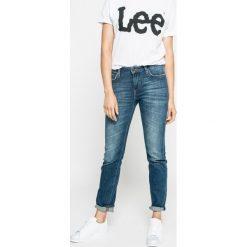 Lee - Jeansy. Niebieskie boyfriendy damskie Lee, z bawełny, z podwyższonym stanem. W wyprzedaży za 299,90 zł.