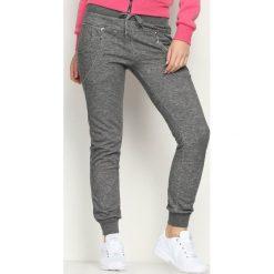 Szare Spodnie Dresowe Avantient. Szare spodnie dresowe damskie marki New Balance, xs, z dresówki. Za 19,99 zł.