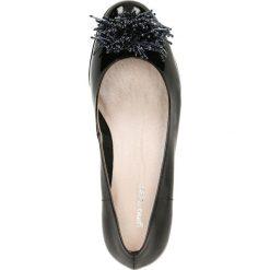 Czółenka JENA. Czarne buty ślubne damskie Gino Rossi, z lakierowanej skóry. Za 219,90 zł.