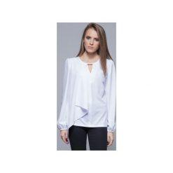 Zwiewna bluzka z asymetrycznym przodem biała  H017. Szare bluzki asymetryczne marki Mohito, l, z asymetrycznym kołnierzem. Za 134,00 zł.