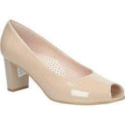 Beżowe czółenka skórzane peep toe na słupku Casu 5075/525. Brązowe buty ślubne damskie marki bonprix, na obcasie. Za 238,99 zł.