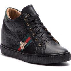 Sneakersy R.POLAŃSKI - 0959 Czarny Lico/Zielony. Czarne sneakersy damskie marki R.Polański, ze skóry, na obcasie. W wyprzedaży za 249,00 zł.
