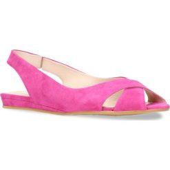 Sandały ROSITA. Czerwone sandały trekkingowe damskie Gino Rossi, w paski, ze skóry, na płaskiej podeszwie. Za 239,90 zł.