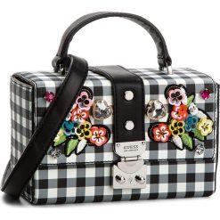 Torebka GUESS - HWGI66 9315 CHECKER. Niebieskie torebki klasyczne damskie marki Guess, z materiału. Za 519,00 zł.