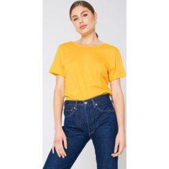 NA-KD Basic T-shirt z odkrytymi plecami - Yellow. Różowe t-shirty damskie marki NA-KD Basic, z bawełny. W wyprzedaży za 37,07 zł.