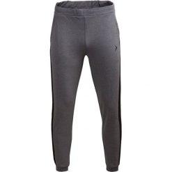 Spodnie dresowe męskie SPMD601 - średni szary melanż - Outhorn. Szare spodnie dresowe męskie Outhorn, na lato, melanż, z bawełny. W wyprzedaży za 49,99 zł.