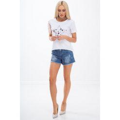 Jeansowe szorty z koralikami 21577. Szare szorty jeansowe damskie marki Fasardi. Za 69,00 zł.