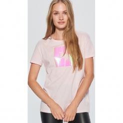 Koszulka z jednorożcem - Różowy. Czerwone t-shirty damskie marki Cropp, l. Za 49,99 zł.