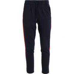 Spodnie dresowe damskie: ONLY ONLPOPTRASH EASY PANEL PANT  Spodnie treningowe night sky/flame scarlet panel