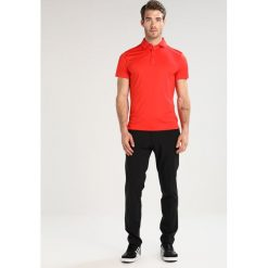 Koszulki sportowe męskie: J.LINDEBERG DENNIS SLIM Koszulka sportowa racing red