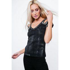 Bluzka z metalicznym połyskiem czarna ZZ1068. Czarne bluzki na imprezę Fasardi, l. Za 47,20 zł.