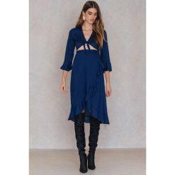 FAYT Sukienka Jett - Navy. Brązowe sukienki rozkloszowane marki Mohito, l, z kopertowym dekoltem. Za 192,95 zł.