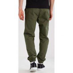Spodnie męskie: Carhartt WIP MARSHALL COLUMBIA Spodnie materiałowe rover green rinsed