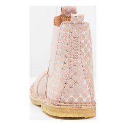 Bisgaard BOOT Botki rose. Czerwone buty zimowe damskie Bisgaard, z materiału. W wyprzedaży za 356,15 zł.