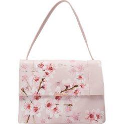 Ted Baker JAYDE SOFT BLOSSOM SHOULDER BAG Torebka pink. Czerwone torebki klasyczne damskie Ted Baker. W wyprzedaży za 881,30 zł.