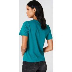 NA-KD Basic T-shirt basic - Turquoise. Różowe t-shirty damskie marki NA-KD Basic, z bawełny. W wyprzedaży za 22,17 zł.