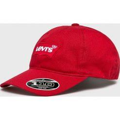 Levi's - Czapka. Brązowe czapki z daszkiem damskie Levi's®, z bawełny. Za 149,90 zł.