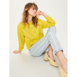 Bluzy damskie: Krótka bluza z nadrukiem - Zielony