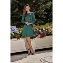 Klasyczna sukienka z długim rękawem ciemna zieleń JOLIE. Zielone sukienki balowe Lemoniade, z klasycznym kołnierzykiem, z długim rękawem. Za 159,90 zł.