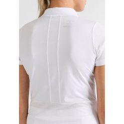 ASICS CLUB CLASSIC Koszulka sportowa real white. Białe topy sportowe damskie Asics, l, z materiału, polo. W wyprzedaży za 132,30 zł.