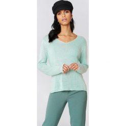 Swetry klasyczne damskie: Rut&Circle Sweter dzianinowy z dekoltem V Ninni - Green