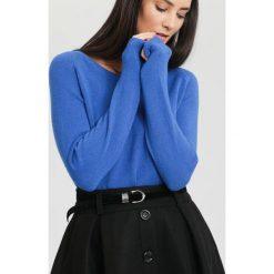 Swetry klasyczne damskie: Ciemnoniebieski Sweter Average