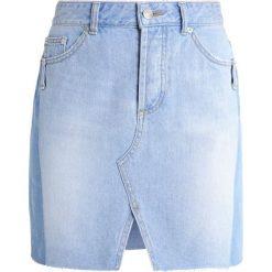 Steve J & Yoni P / SJYP Spódnica jeansowa light blue. Niebieskie minispódniczki marki Steve J & Yoni P / SJYP, l, z bawełny. W wyprzedaży za 779,35 zł.