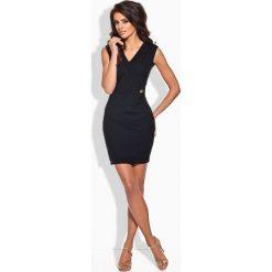 KLAUDIA Taliowana sukienka ze złotym guziczkiem czarna. Czarne sukienki balowe Lemoniade. Za 99,00 zł.
