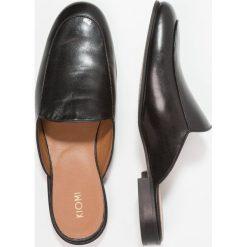 KIOMI Klapki black. Czarne klapki męskie marki KIOMI, z materiału. W wyprzedaży za 341,10 zł.