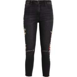 Abercrombie & Fitch WASHED HIGHRISE ANKLE JEANS  Jeans Skinny Fit ripped black. Czarne jeansy damskie Abercrombie & Fitch. Za 409,00 zł.