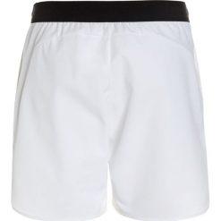 Nike Performance FLEX ACE Krótkie spodenki sportowe white/black. Białe spodenki chłopięce Nike Performance, z elastanu, sportowe. W wyprzedaży za 127,20 zł.