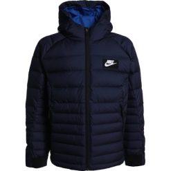 Nike Performance Kurtka puchowa obsidian/blue jay/white. Niebieskie kurtki chłopięce sportowe marki bonprix, z kapturem. W wyprzedaży za 342,30 zł.