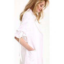 PŁASZCZ DAMSKI DŁUGOŚĆ REGULARNA. Szare płaszcze damskie marki Top Secret, w ażurowe wzory. Za 149,99 zł.