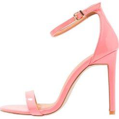 Rzymianki damskie: BEBO Sandały na obcasie pink