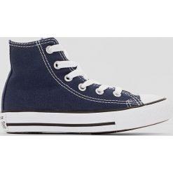Wysokie buty sportowe CHUCK TAYLOR ALL STAR HI CANVAS. Brązowe buty sportowe chłopięce marki Converse, z materiału, na sznurówki. Za 161,66 zł.