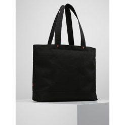 Levi's® THE ICON CARRYALL Torba na zakupy black. Czarne torebki klasyczne damskie Levi's®. W wyprzedaży za 183,20 zł.