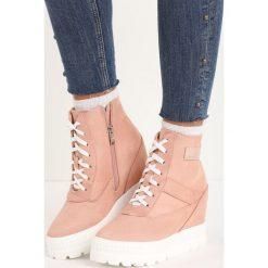 Różowe Sneakersy More You. Czerwone sneakersy damskie Born2be. Za 69,99 zł.
