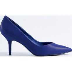Czółenka na obcasie - Fioletowy. Fioletowe buty ślubne damskie marki Mohito, na obcasie. Za 129,99 zł.