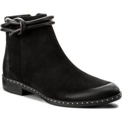 Botki CARINII - B4187 360-E50-POL-C63. Czarne buty zimowe damskie Carinii, z nubiku, na obcasie. W wyprzedaży za 219,00 zł.