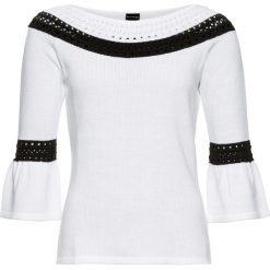 Sweter bonprix biało-czarny. Niebieskie swetry klasyczne damskie marki bonprix, na lato, w kwiaty, z asymetrycznym kołnierzem. Za 89,99 zł.