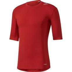 Adidas Koszulka męska Techfit Base Short Sleeve czerwona r. M (AJ4968). Czerwone koszulki sportowe męskie Adidas, m, techfit (adidas). Za 77,99 zł.