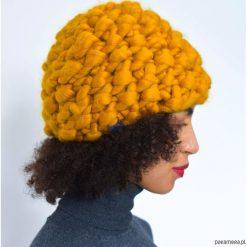 Musztardowa czapka z wełny merynosów merino. Brązowe czapki zimowe damskie Pakamera, z jedwabiu. Za 249,00 zł.