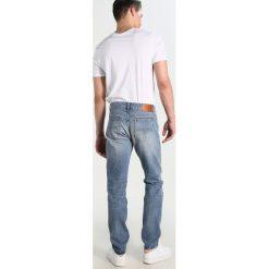 Jeansy męskie regular: Tiger of Sweden Jeans STRAIGHT  Jeansy Straight Leg light blue