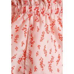 Carrement Beau Krótki płaszcz hellrose. Czerwone kurtki chłopięce przeciwdeszczowe Carrement Beau, z materiału, krótkie. W wyprzedaży za 260,10 zł.